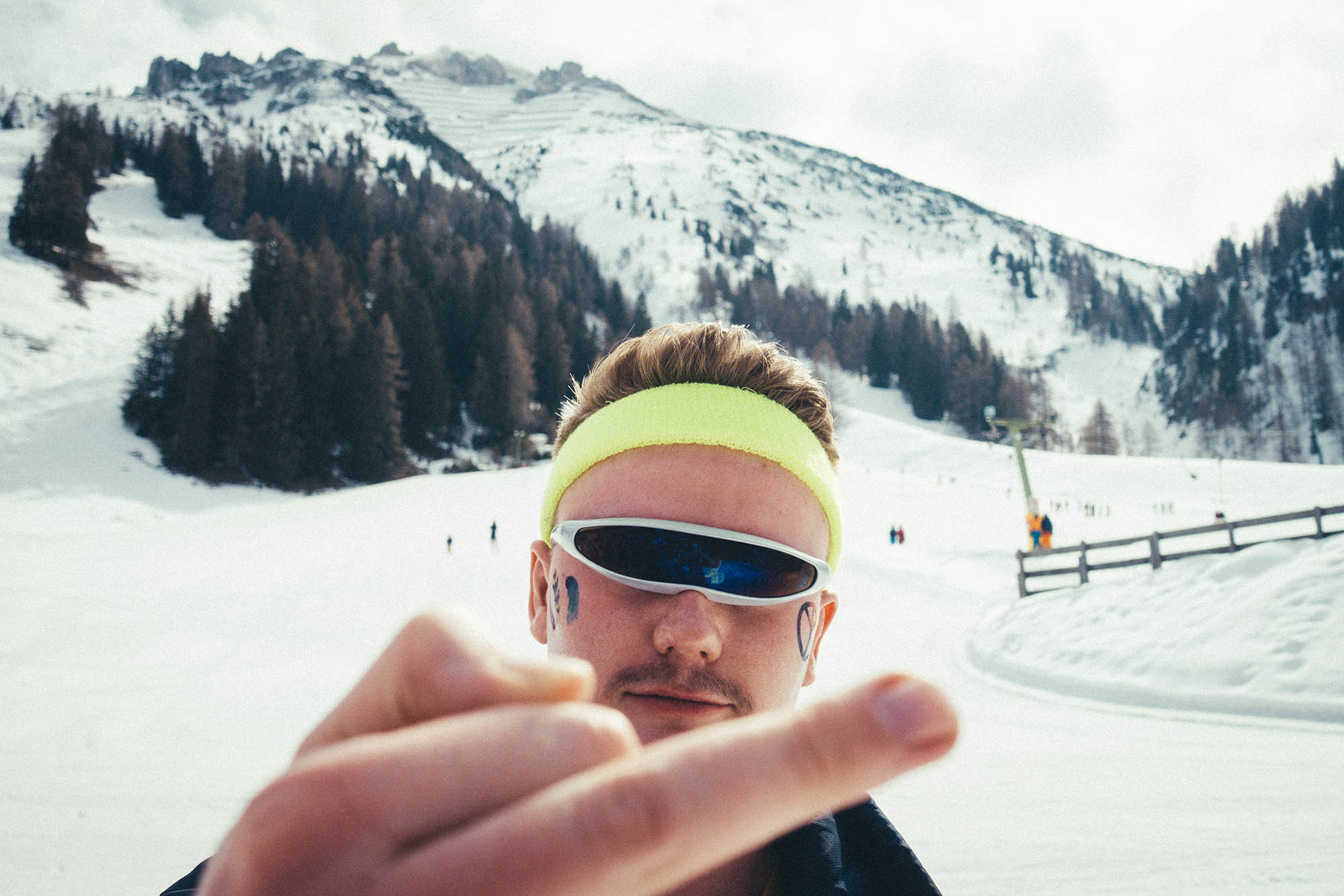 Florian Schüppel UGLY SKIING DAY